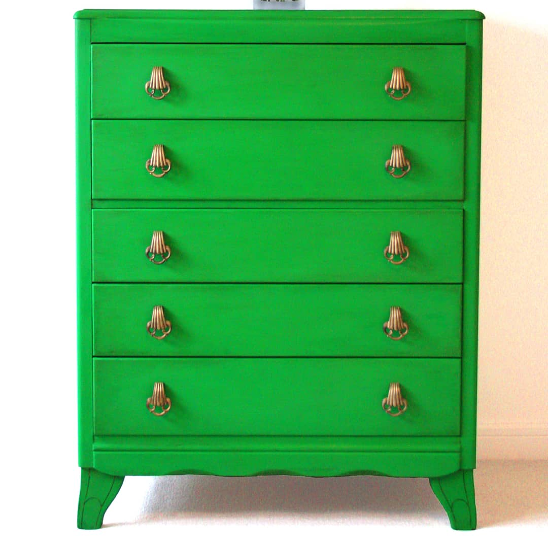 Drawers painted in Vintro Chalk Paint Rainforest Green by Refovi Studio
