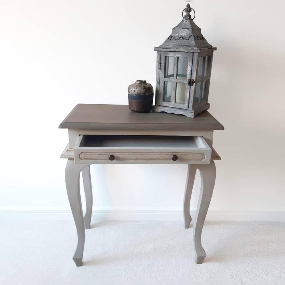 Small table painted in Vintro Chalk Paint Tower Bridge and Cloudburst