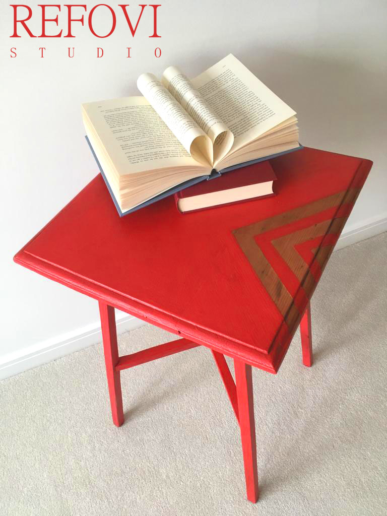 Table top painted in red Chalk Paint valentine by Vintro